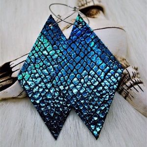 ✨NEW✨Holographic Teal Cracked Leather Earrings!